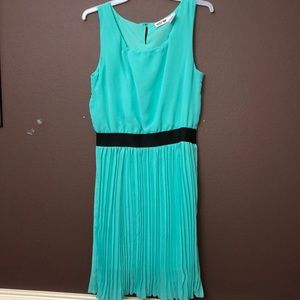 Other - Teal dress with pleats